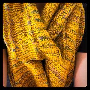 Multicolor crochet infinity scarf